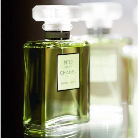 №19 Chanel